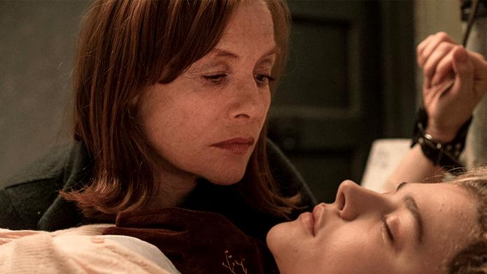 Isabelle Huppert, plus effrayante que jamais dans Greta
