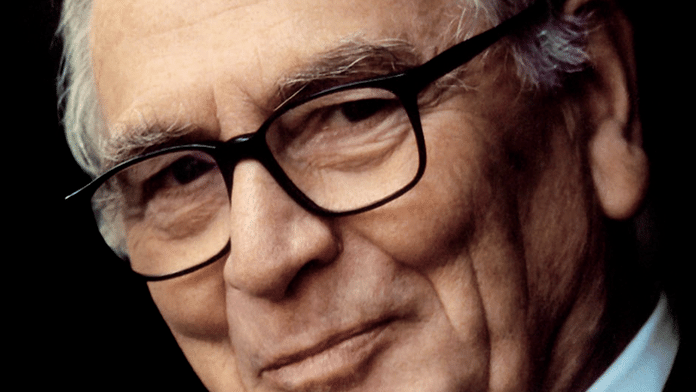 Pierre Cardin, un documentaire exclusif sur le couturier visionnaire