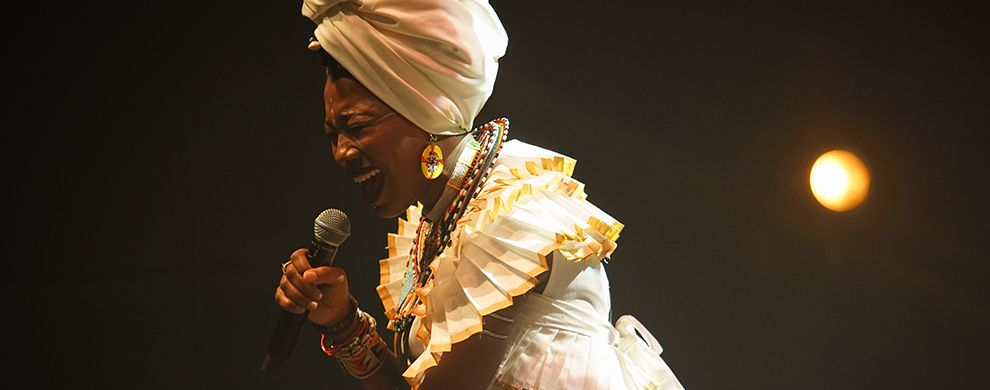 FATOUMATA DIAWARA en concert à l'Olympia